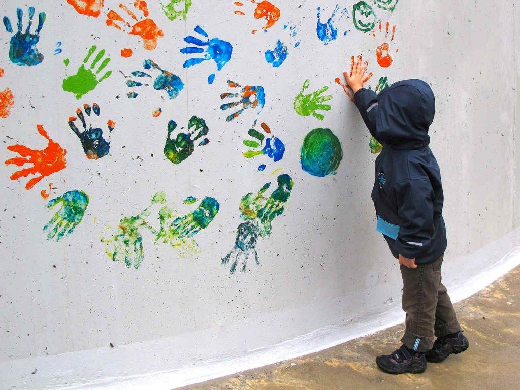Tienda de ropa para niños con tejidos hidrófugos en España